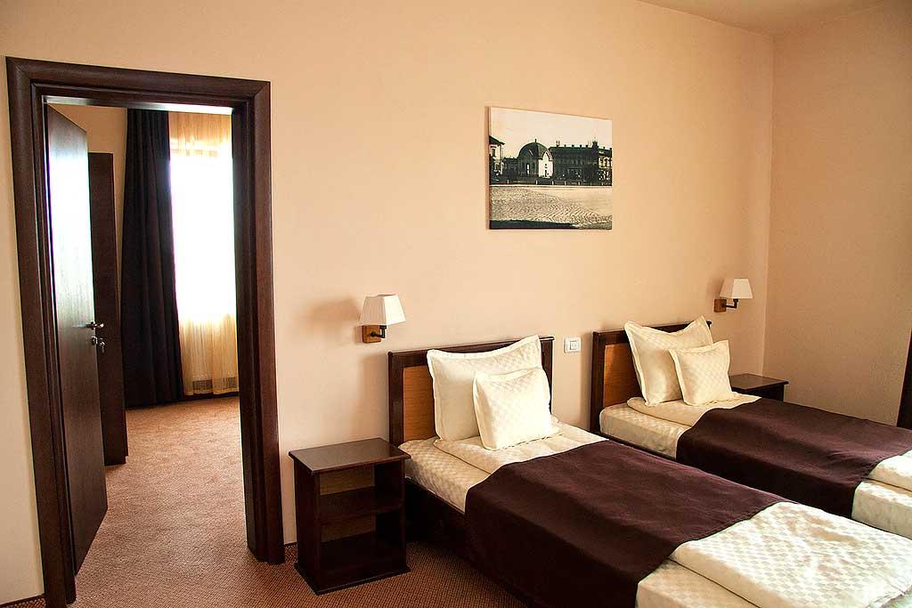 j6kdv_camera-hotel-han-rascruce-2.jpg