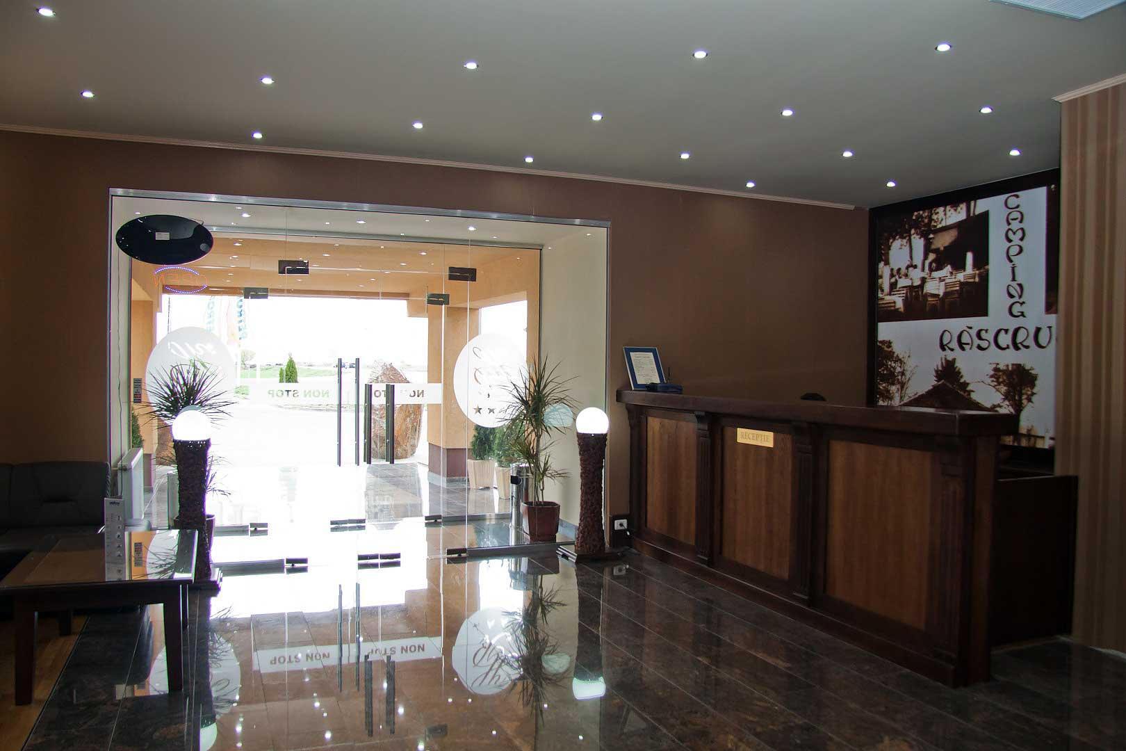 km8bk_hotel-han-receptie.jpg