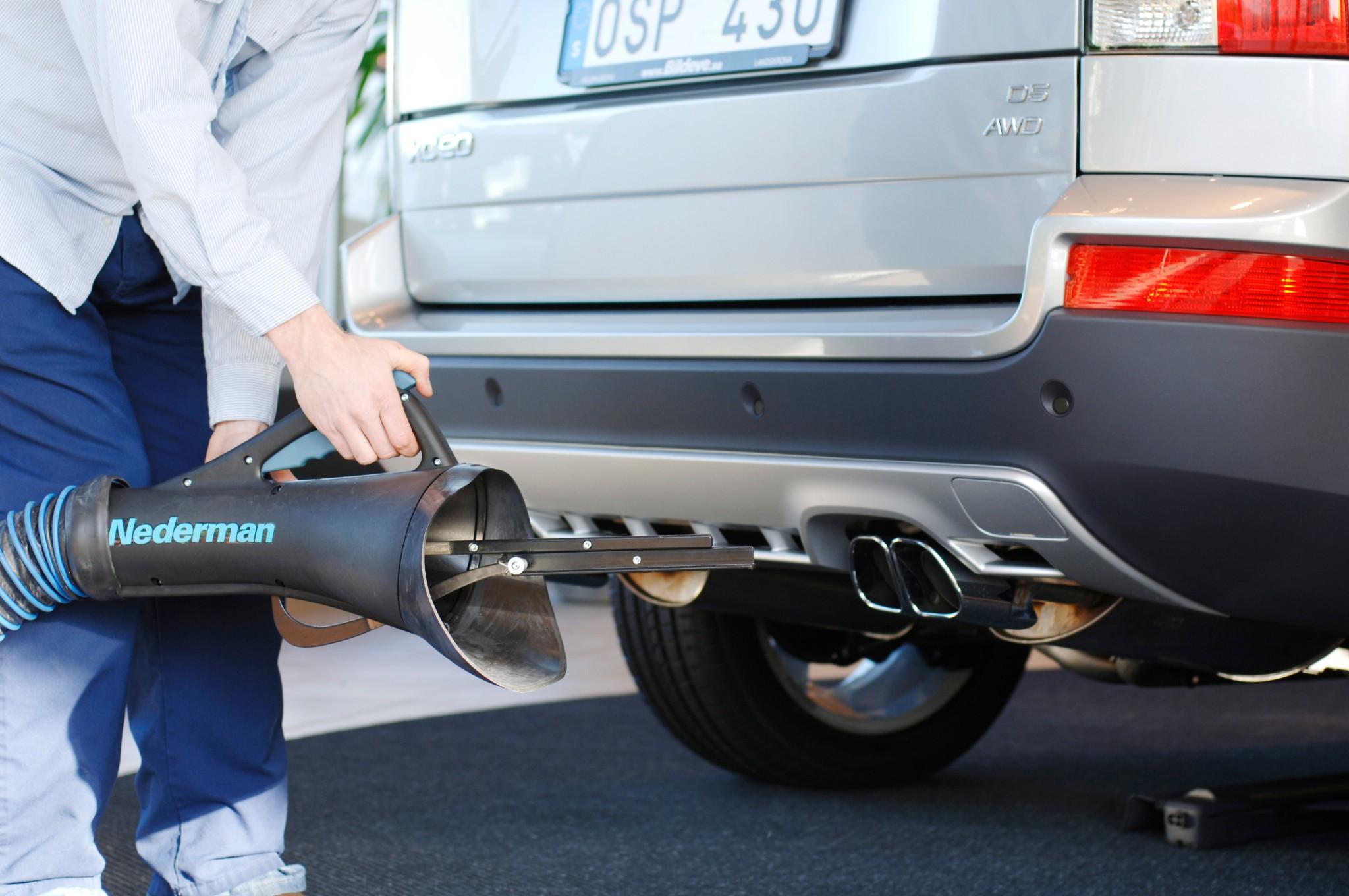 universal-exhaust-nozzle_23339359302_o.jpg